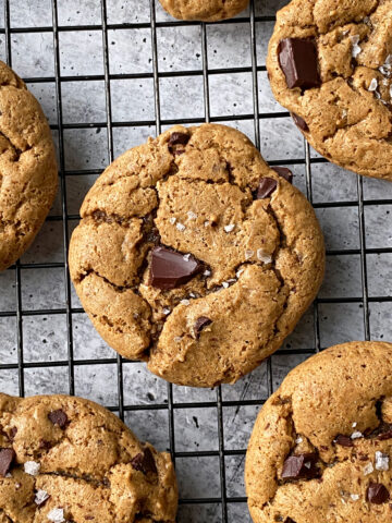 healthy-chocolate-chip-cookies-made-with-almond-butter