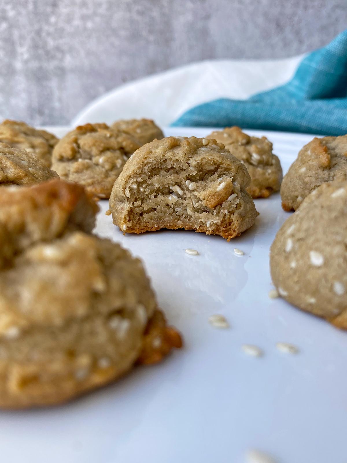 honey-sesame-cookies-recipe