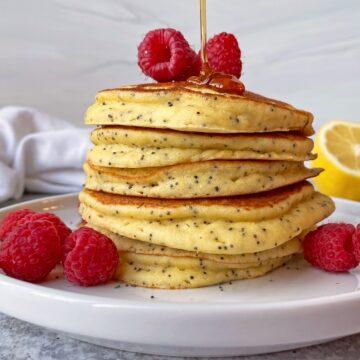 paleo-pancakes-with-almond-flour