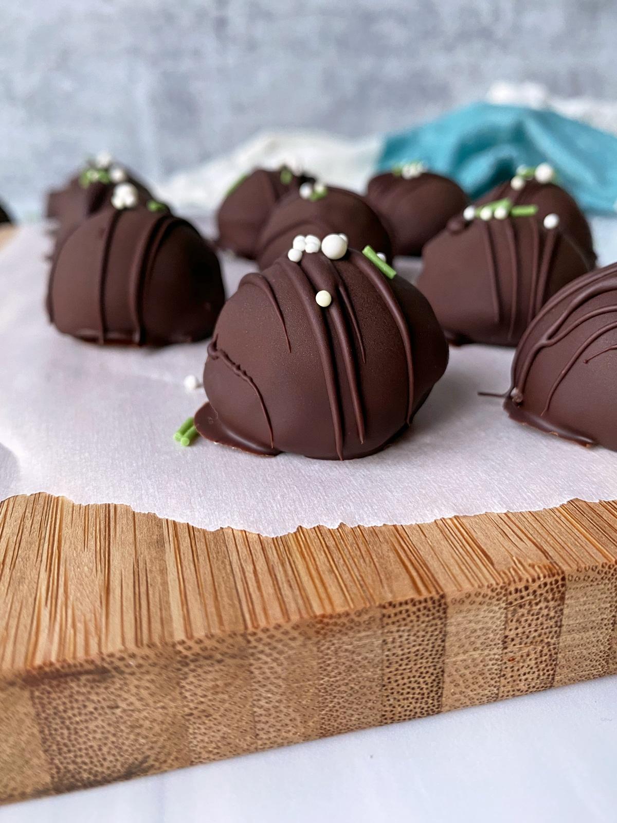 no-bake-gluten-free-peppermint-truffles