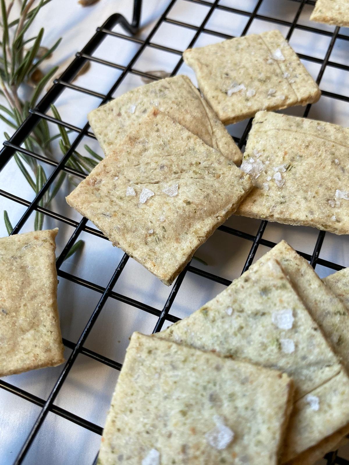 healthy-rosemary-cracker-recipe