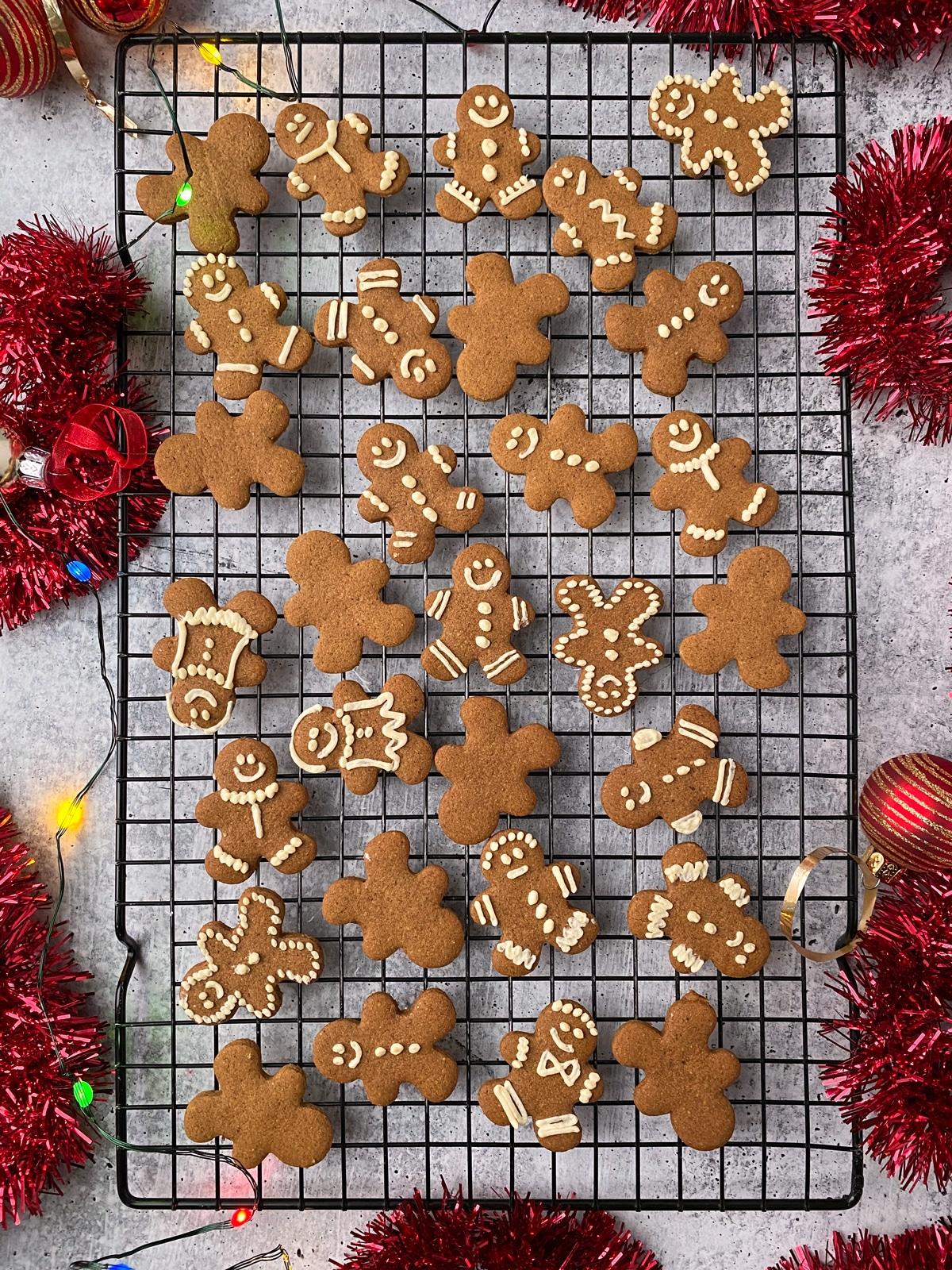 tigernut-flour-gingerbread-men