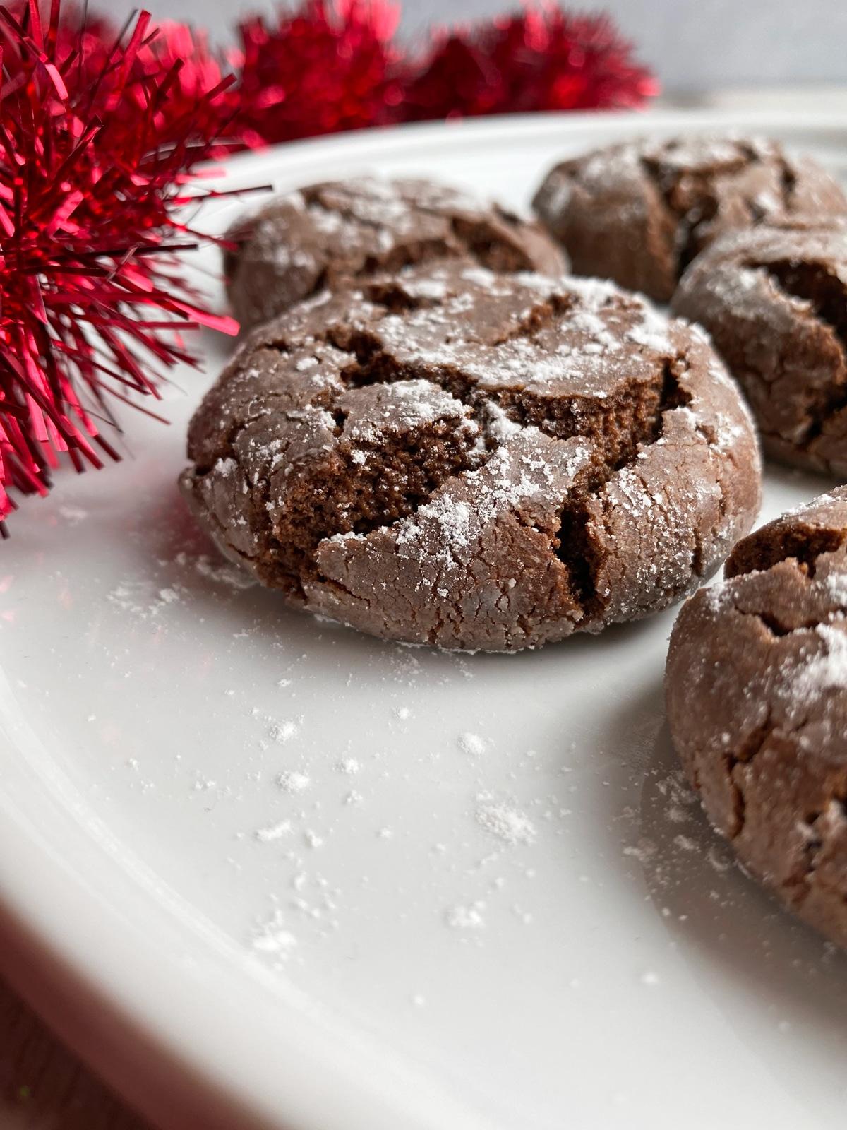 sugar-free-chocolate-crinkle-cookies