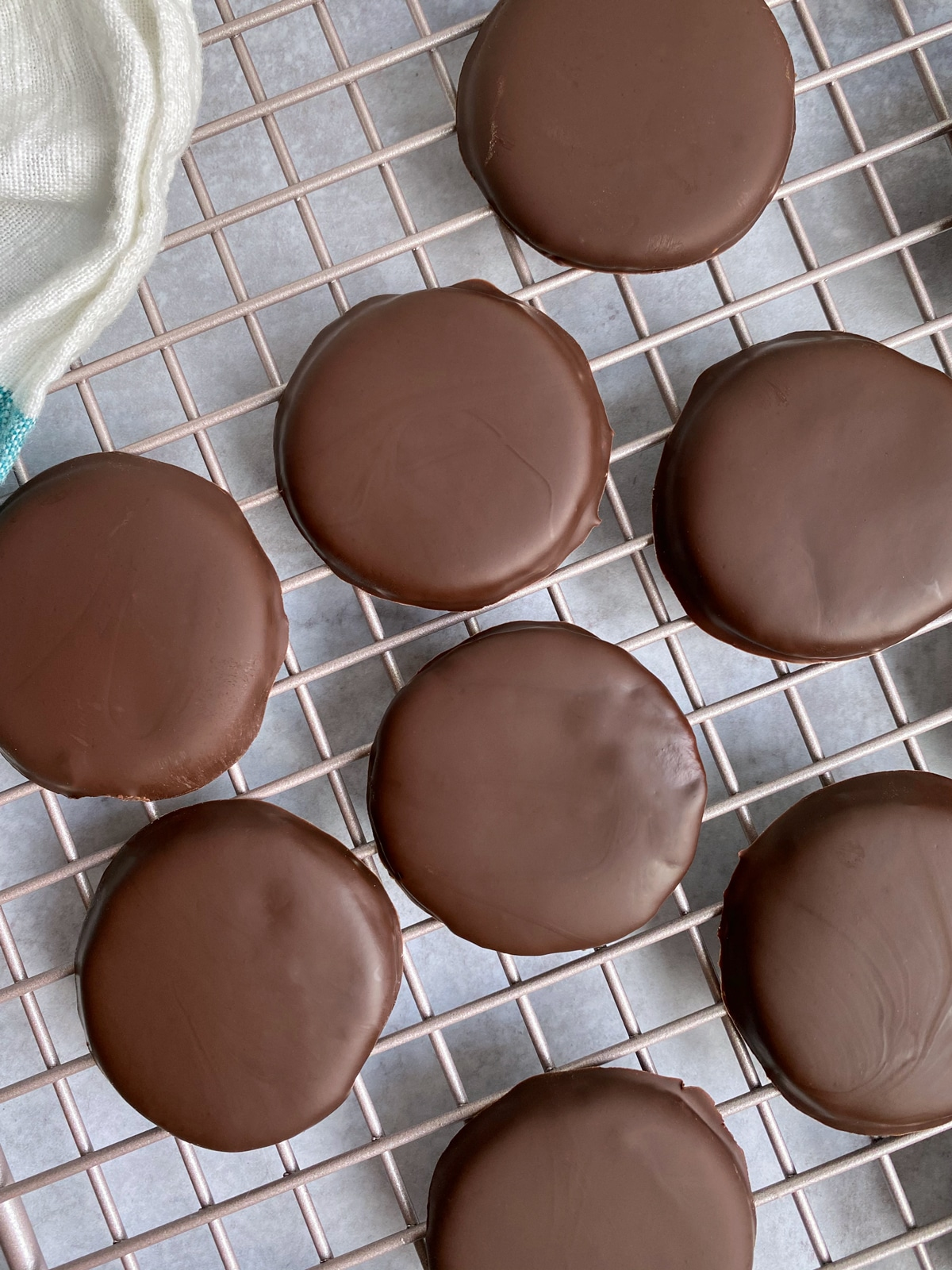 paleo-mint-chocolate-cookies