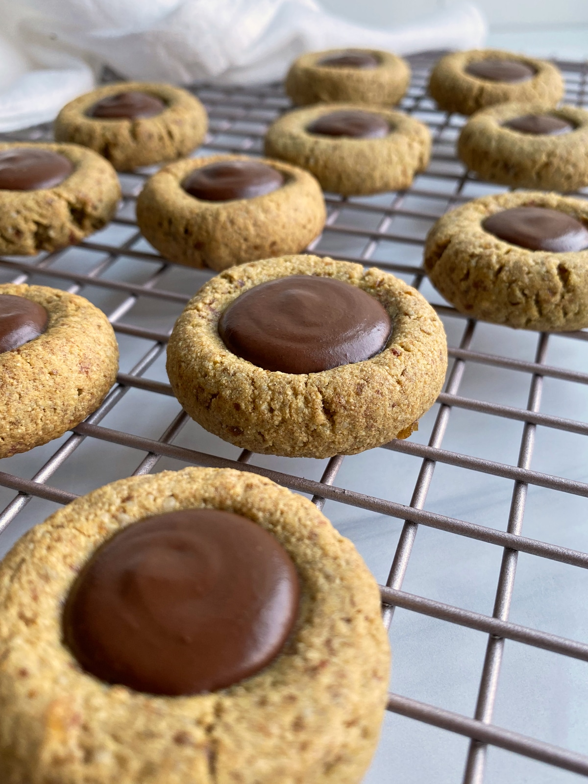 thumbprint-cookies-with-chocolate-fudge-filling