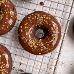 easy-vegan-baked-chocolate-donuts
