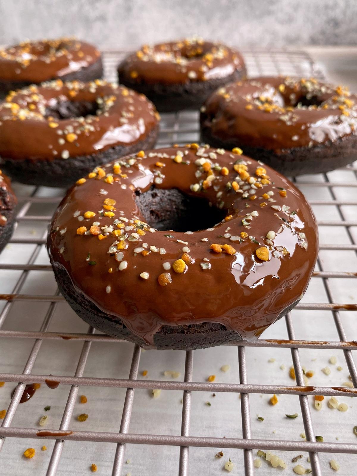 easy-vegan-chocolate-donuts