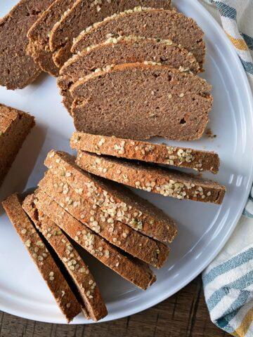 paleo-vegan-carrot-cake-bread