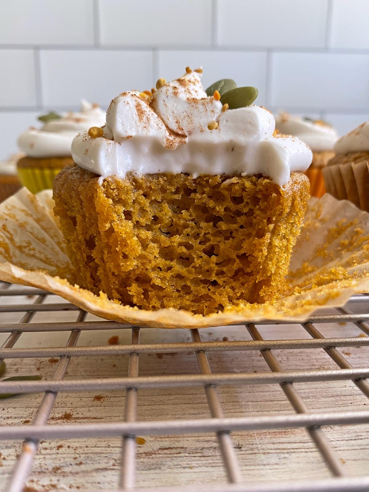 healthy-pumpkin-cupcakes
