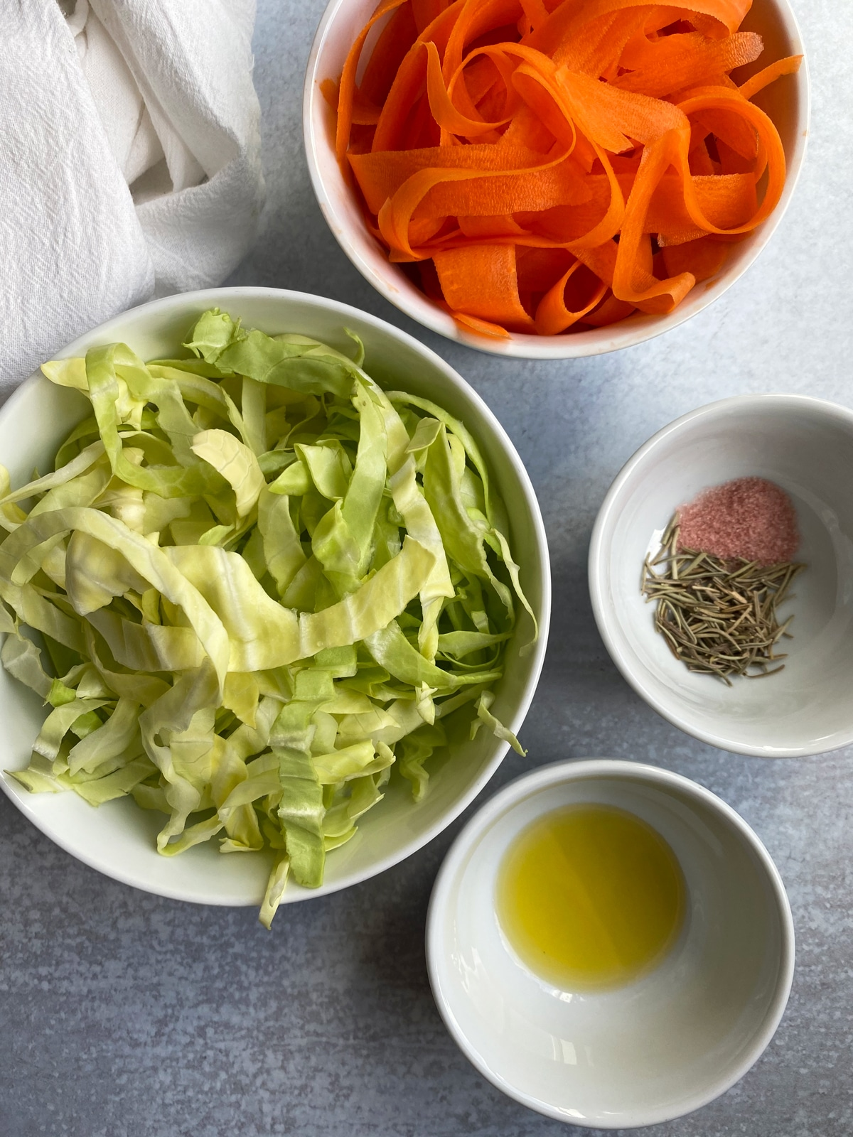 ingredients-in-carrot-cabbage-noodles