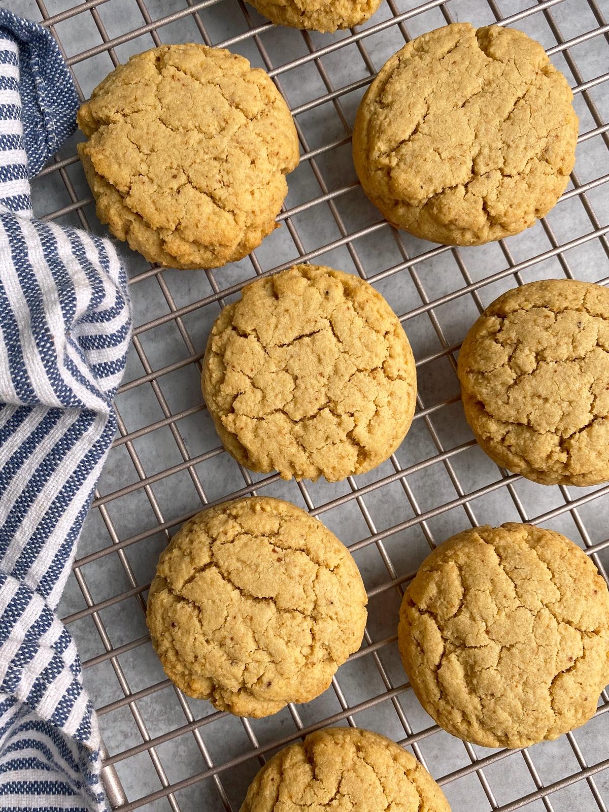 paleo-vegan-sugar-cookies