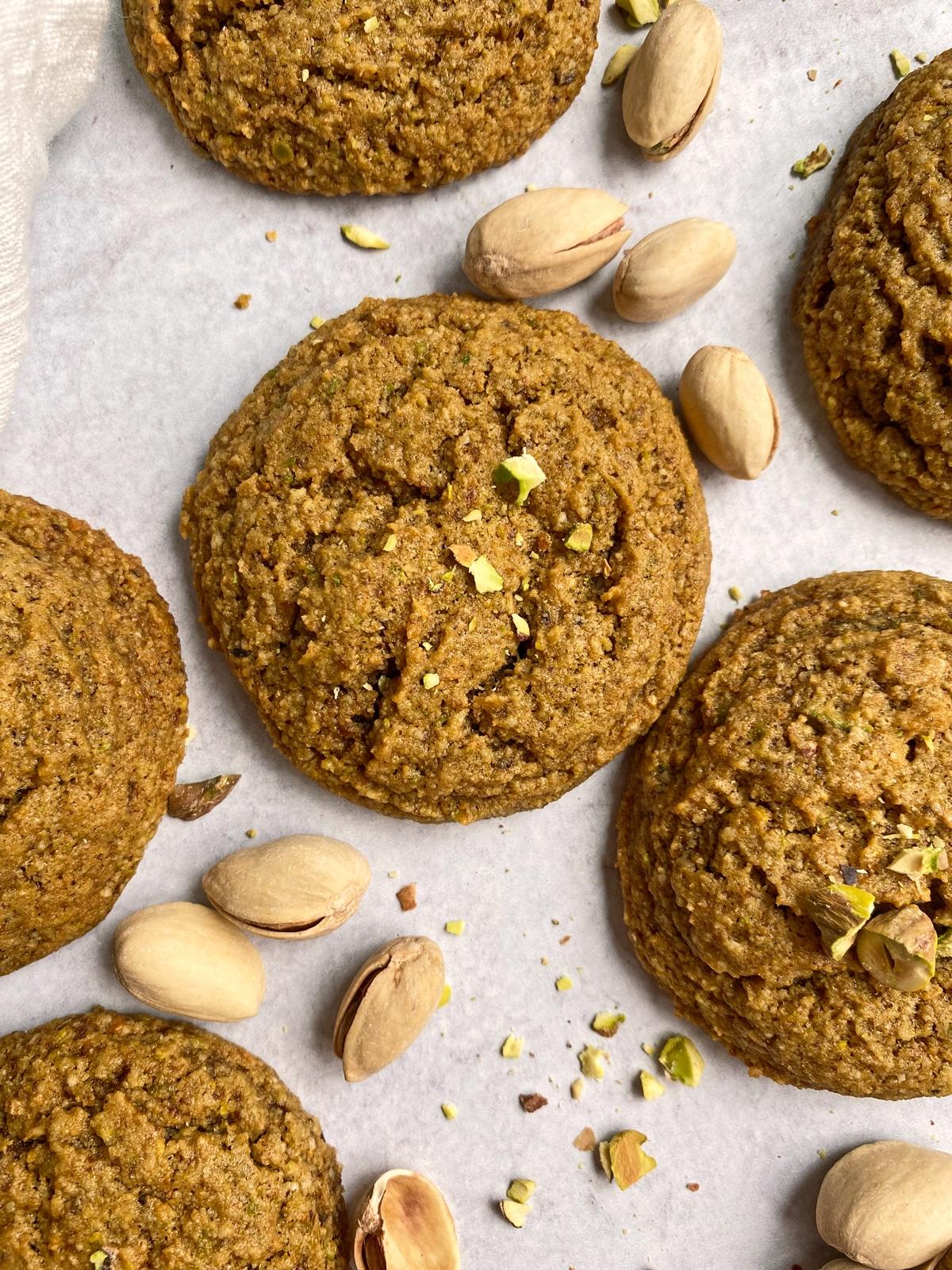 almond-pistachio-cookies-top-view